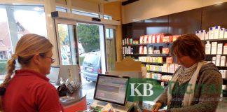 Der persönliche Kontakt mit den Kunden ist das große Plus der einheimischen Apotheken.