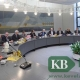 Landrat Wolfgang Spreen, die Bürgermeisterinnen und Bürgermeister der beteiligten Kommunen bzw. deren Vertreter unterzeichneten nun die Kooperationsvereinbarung zur Durchführung des geförderten Breitbandausbaus im Kreis Kleve. (Foto: Kreis Kleve)