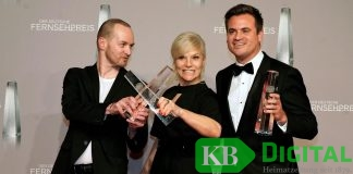 Bei der Fernsehpreisverleihung (v.l.n.r.): Mathias Wallerang (Produzent Background TV), Ina Müller, Christoph Pellander. Foto: WDR/Herby Sachs/Max Kohr