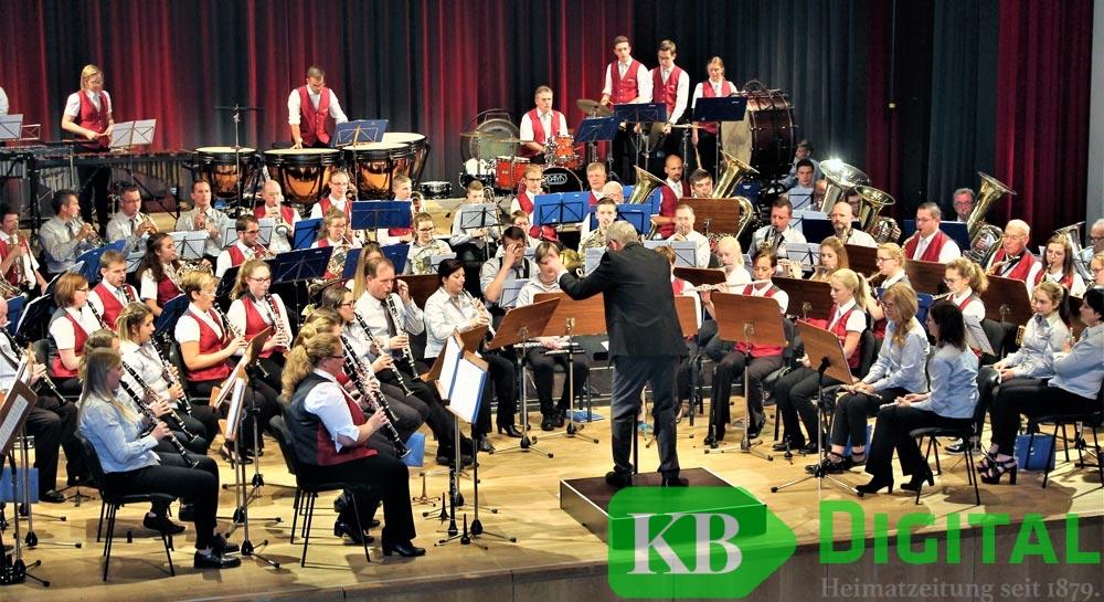 Volle Bühne im Konzert- und Bühnenhaus. (Foto: aflo)